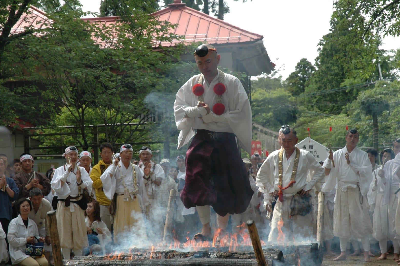 金剛山転法輪寺のれんげ大祭